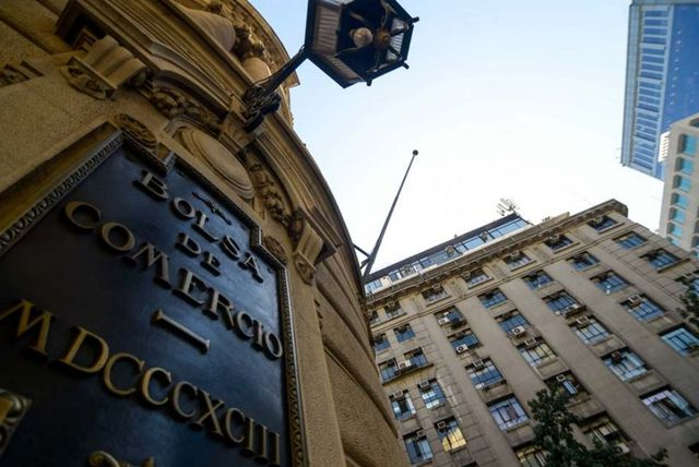 IPSA anota nuevo récord pese a que extranjeros pierden la fe